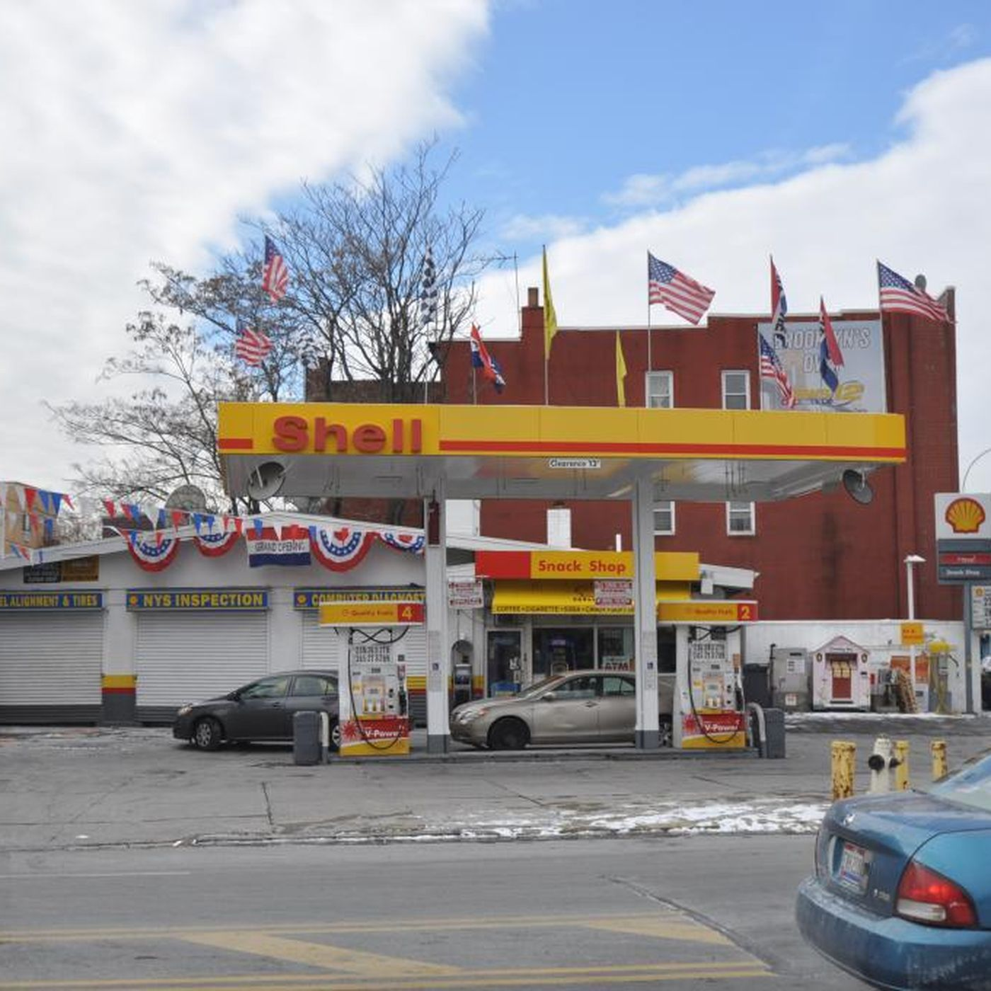 Shuttered Brooklyn gas station eyed for L train smell has grubby history